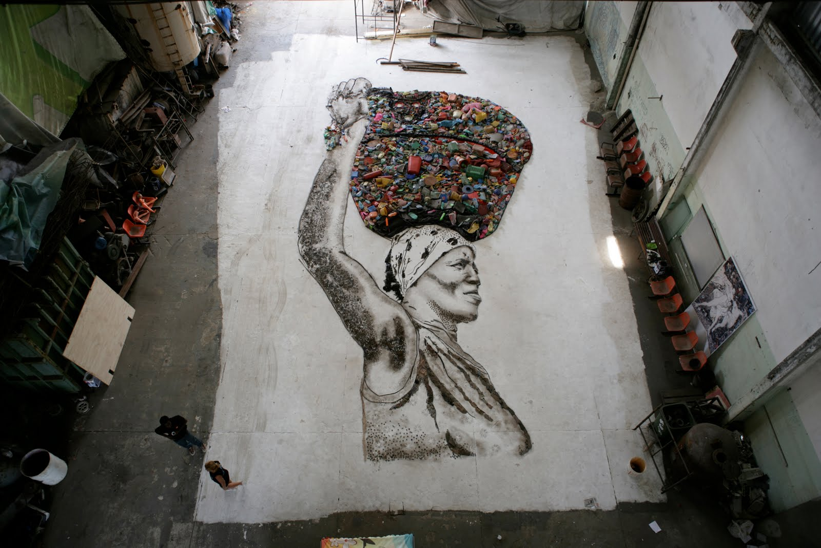 Featured In The 2010 Documentary Waste Land Brazilian Born Artist Vik Muniz Travelled To His Native Home Photograph And Document Numerous Workers At