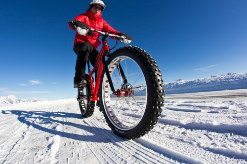 Fat-Bikes-Blog-Wide-Tire-Shot-2